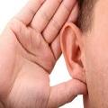 Orecchio ipoacusia protesi acustiche