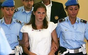 """Delitto Meredith, Amanda NOx confessa: """"Non ho ucciso Meredith"""""""