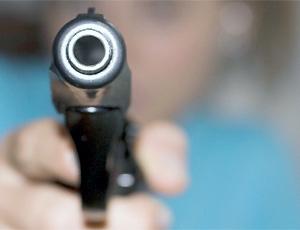 Pistola spara al padre la notte di Natale