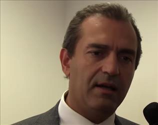 Luigi De Magistris sospeso dalla carica di sindaco di Napoli, ma promette battaglia