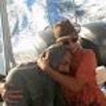 Abbraccio profugo siriano