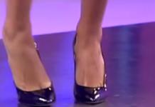 Caterina Balivo feticisti piedi femminile