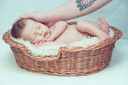 Carezza neonato effetto analgesico