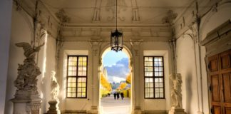 Delitto castello Austria conte