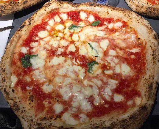 Sorbillo pizzeria bomba
