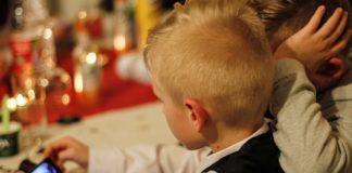 Bambini smartphone linee guida Oms