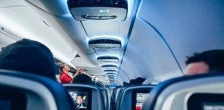 Donna controllore film hard con passeggeri senza biglietto