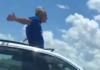 Uomo auto scappa moglie